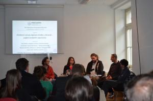 Pogovor »Problemi razvoja digitalne družbe v Sloveniji – pogled nevladnih organizacij«.