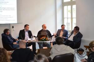 Okrogla miza »Priložnosti in izzivi medsektorskega sodelovanja pri naslavljanju problemov razvoja informacijske družbe v Sloveniji«.